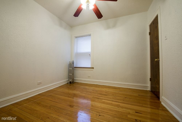 2 Bedrooms, South Shore Rental in Chicago, IL for $920 - Photo 1