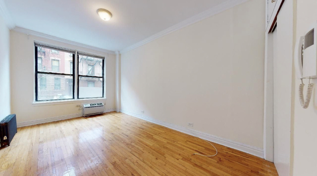 Studio, Hell's Kitchen Rental in NYC for $2,000 - Photo 1