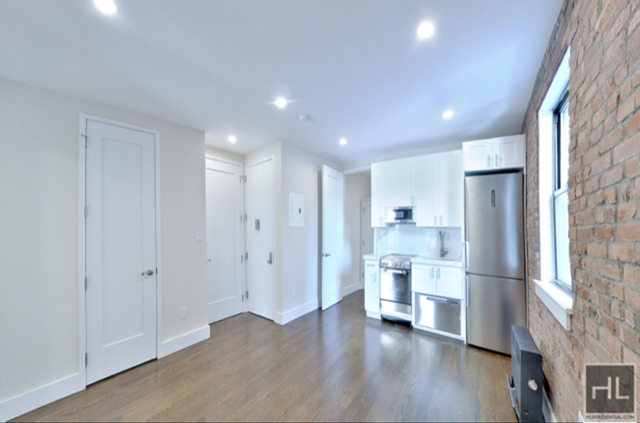 3 Bedrooms, Chelsea Rental in NYC for $4,250 - Photo 2