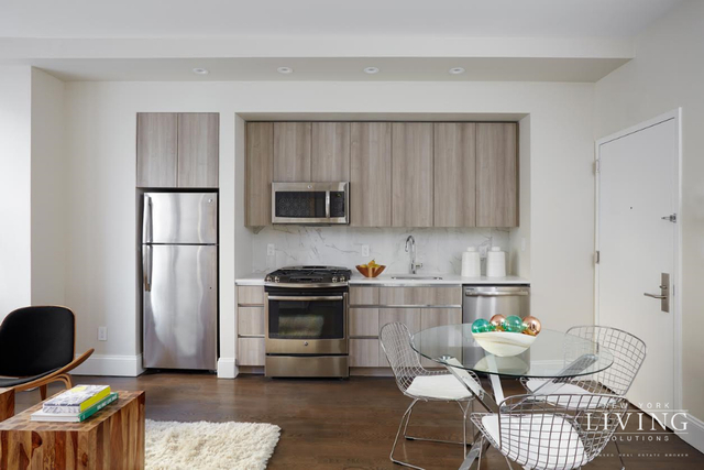 2 Bedrooms, Financial District Rental in NYC for $4,165 - Photo 2