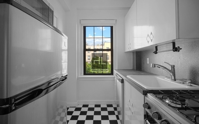 3 Bedrooms, East Village Rental in NYC for $2,995 - Photo 2