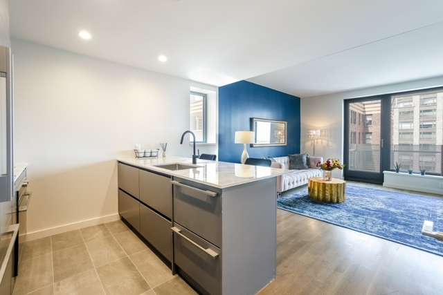 2 Bedrooms, Yorkville Rental in NYC for $5,579 - Photo 2