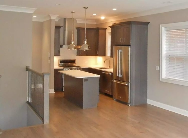 2 Bedrooms, Wrightwood Rental in Chicago, IL for $3,440 - Photo 2