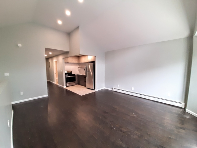 3 Bedrooms, Flatbush Rental in NYC for $2,600 - Photo 2