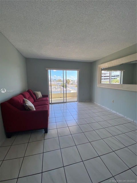1 Bedroom, West Avenue Rental in Miami, FL for $1,520 - Photo 2