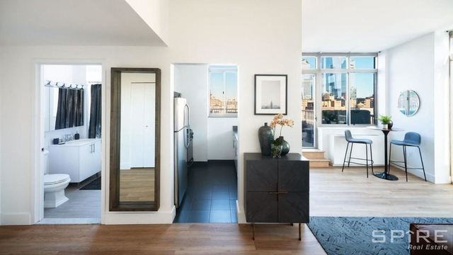 1 Bedroom, Chelsea Rental in NYC for $4,158 - Photo 2