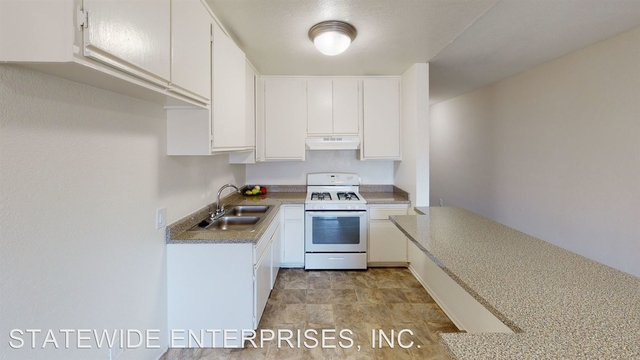2 Bedrooms, Wilshire Center - Koreatown Rental in Los Angeles, CA for $2,050 - Photo 2
