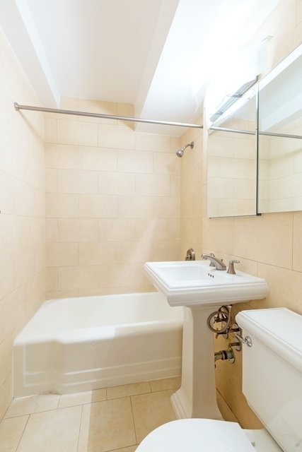 Studio, Rose Hill Rental in NYC for $2,583 - Photo 2