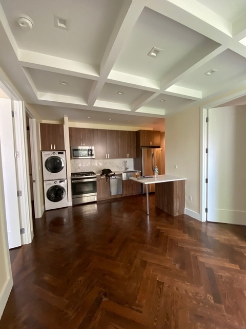 3 Bedrooms, Crown Heights Rental in NYC for $3,700 - Photo 2
