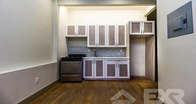 2 Bedrooms, Crown Heights Rental in NYC for $2,200 - Photo 1