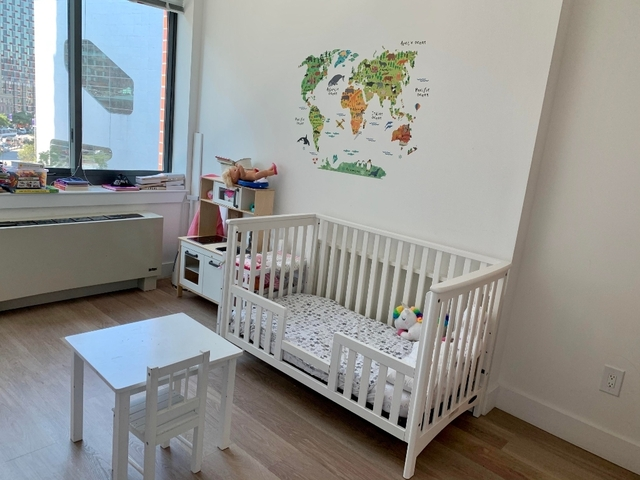 2 Bedrooms, Hunters Point Rental in NYC for $3,782 - Photo 2