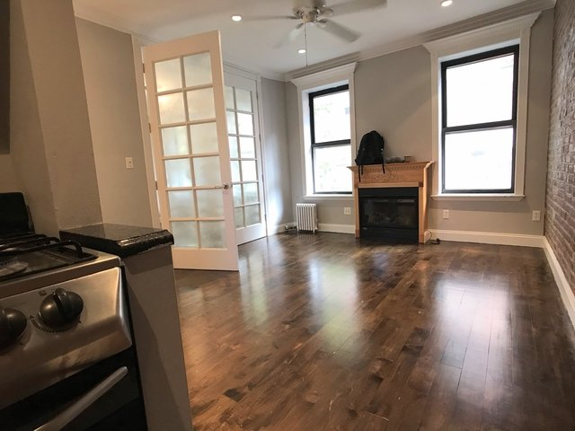3 Bedrooms, Gramercy Park Rental in NYC for $4,600 - Photo 2