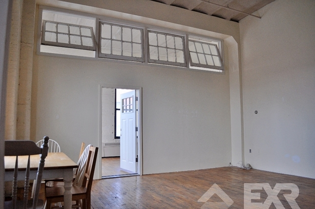 Loft, Red Hook Rental in NYC for $2,900 - Photo 1