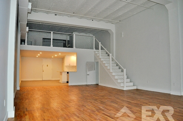 Loft, Red Hook Rental in NYC for $3,125 - Photo 1