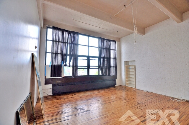 Loft, Red Hook Rental in NYC for $3,050 - Photo 2