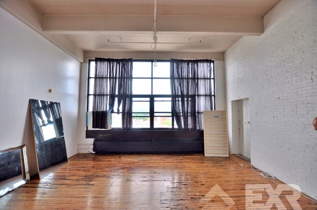 Loft, Red Hook Rental in NYC for $3,050 - Photo 1