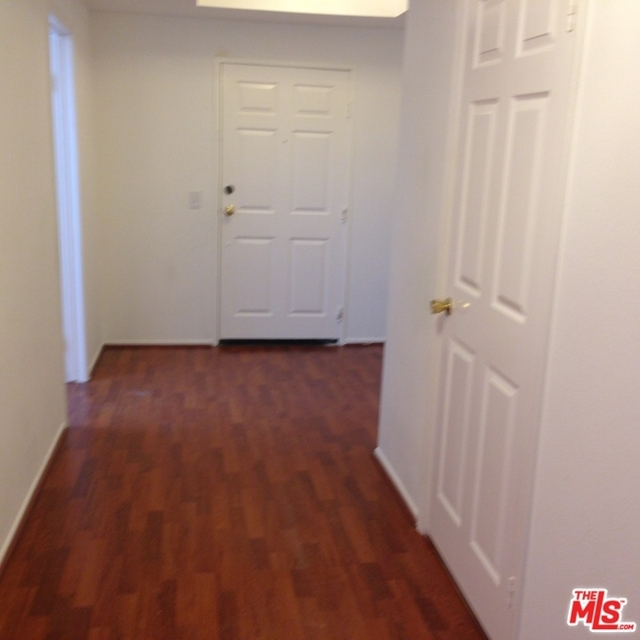 2 Bedrooms, Westwood Rental in Los Angeles, CA for $3,600 - Photo 2