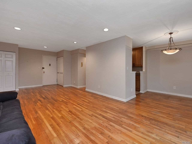 2 Bedrooms, Great Neck Plaza Rental in Long Island, NY for $3,300 - Photo 2