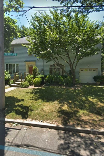 4 Bedrooms, Woodmere Rental in Long Island, NY for $4,300 - Photo 1
