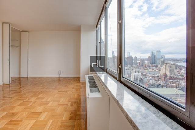 Studio, Theater District Rental in NYC for $3,175 - Photo 2