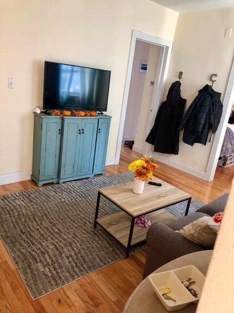 2 Bedrooms, Hell's Kitchen Rental in NYC for $2,950 - Photo 1