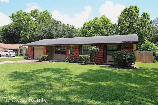 4 Bedrooms, Clear Lake City Rental in Houston for $1,800 - Photo 1