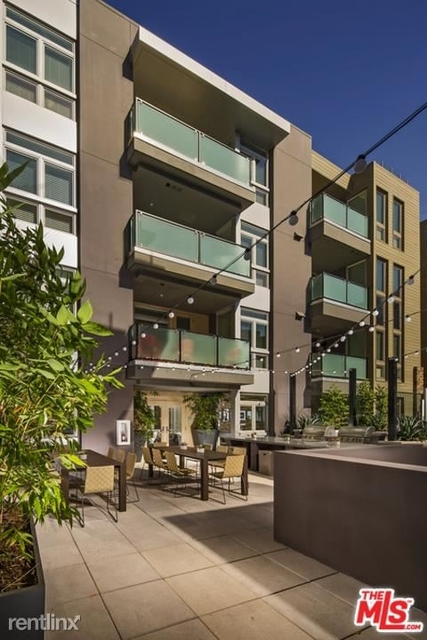 2 Bedrooms, Playhouse District Rental in Los Angeles, CA for $3,085 - Photo 1