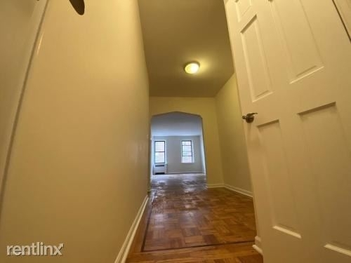 2 Bedrooms, Jackson Heights Rental in NYC for $2,190 - Photo 2