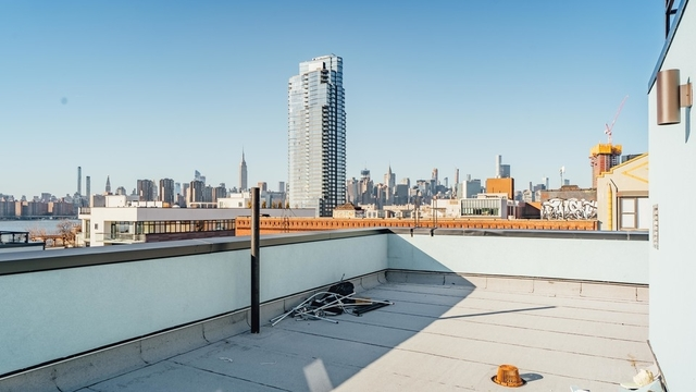 1 Bedroom, Greenpoint Rental in NYC for $2,985 - Photo 2