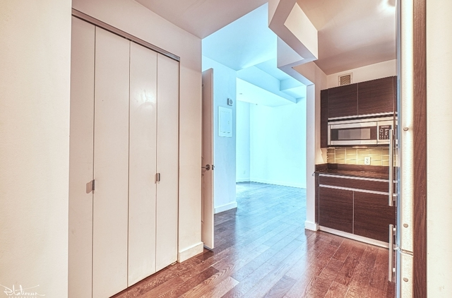 1 Bedroom, Financial District Rental in NYC for $2,500 - Photo 2