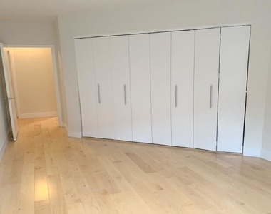 1 Bedroom, Hell's Kitchen Rental in NYC for $2,708 - Photo 2