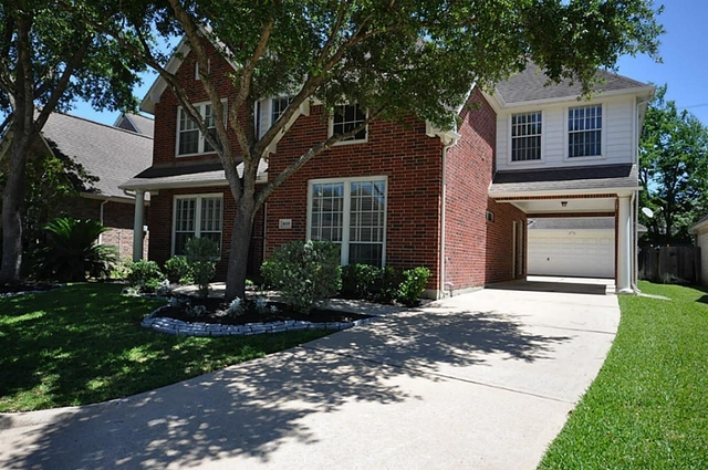 5 Bedrooms, Lakeside Enclave Rental in Houston for $3,000 - Photo 2