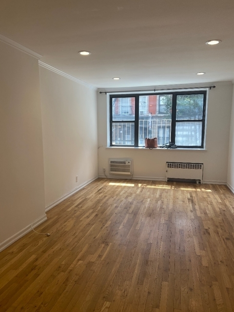 Studio, Yorkville Rental in NYC for $1,996 - Photo 2