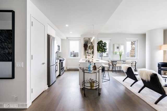 3 Bedrooms, Long Island City Rental in NYC for $5,850 - Photo 2