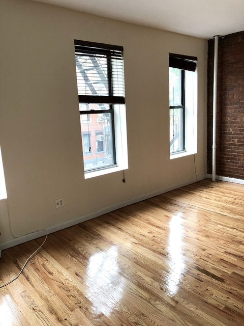 2 Bedrooms, Hell's Kitchen Rental in NYC for $2,379 - Photo 2