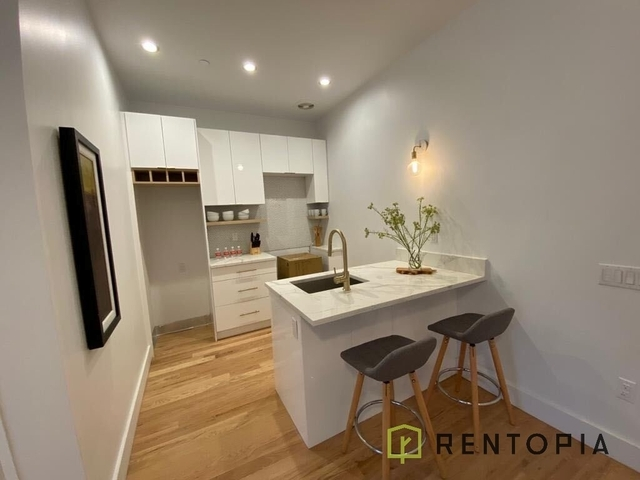 2 Bedrooms, Greenpoint Rental in NYC for $3,461 - Photo 1