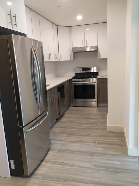 2 Bedrooms, Middle Village Rental in NYC for $2,680 - Photo 2