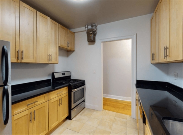 3 Bedrooms, Chelsea Rental in NYC for $4,315 - Photo 1