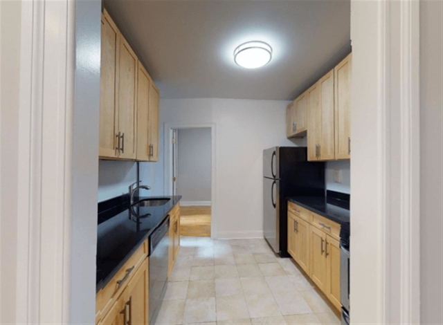 3 Bedrooms, Chelsea Rental in NYC for $4,315 - Photo 2