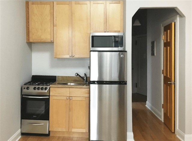1 Bedroom, Chelsea Rental in NYC for $2,221 - Photo 1