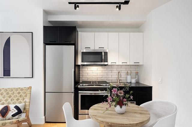 Studio, Financial District Rental in NYC for $2,183 - Photo 2