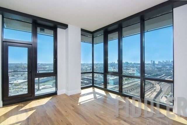 3 Bedrooms, Long Island City Rental in NYC for $5,600 - Photo 2