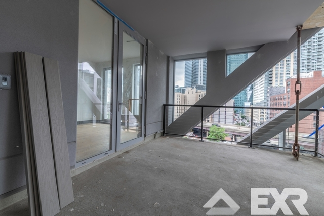 2 Bedrooms, Long Island City Rental in NYC for $4,983 - Photo 2