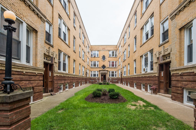 2 Bedrooms, North Center Rental in Chicago, IL for $1,385 - Photo 1