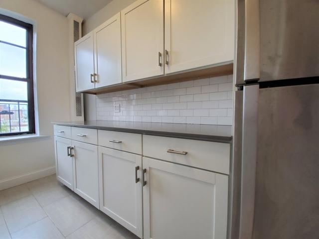 2 Bedrooms, Astoria Rental in NYC for $2,632 - Photo 2