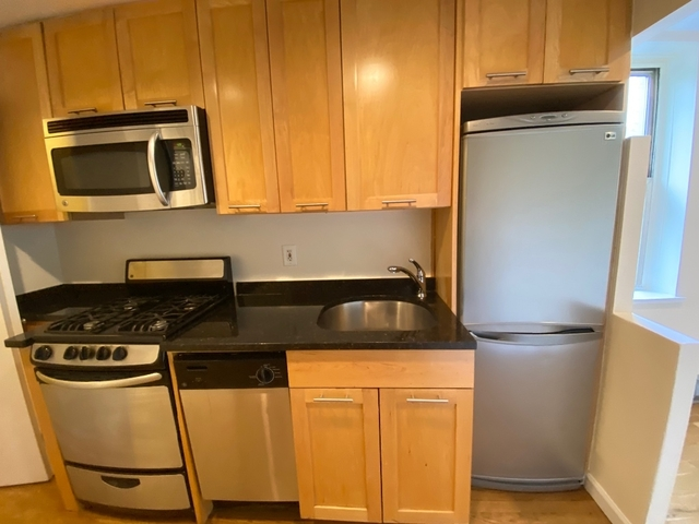 1 Bedroom, SoHo Rental in NYC for $2,910 - Photo 2