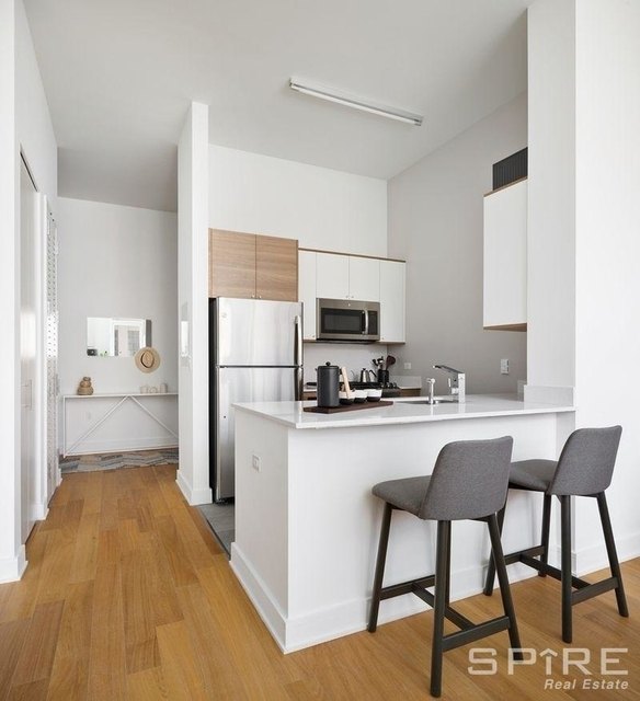 2 Bedrooms, Long Island City Rental in NYC for $6,000 - Photo 2