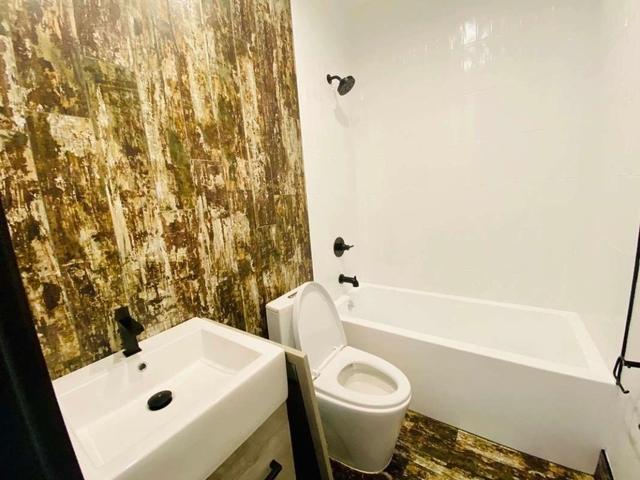 Room, East Flatbush Rental in NYC for $950 - Photo 2