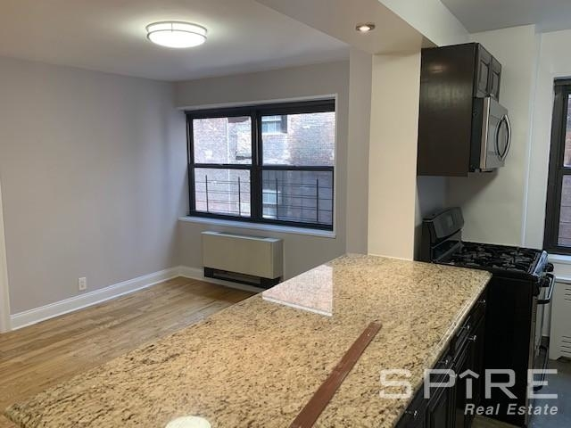 2 Bedrooms, Turtle Bay Rental in NYC for $4,245 - Photo 2