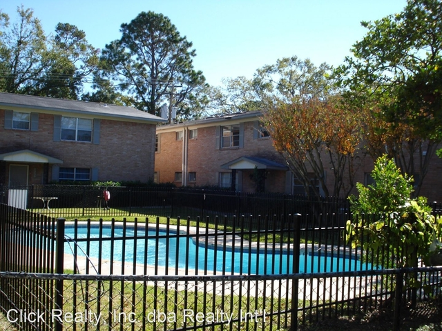 1 Bedroom, Shadowdale Townhome Condominiums Rental in Houston for $925 - Photo 2
